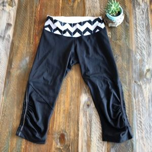 Lululemon Black Chevron Crop
